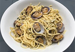 Spaghettis aux palourdes - Spaghetti alle vongole